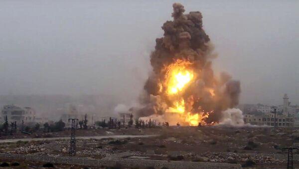 Експлозија током напада милитаната на владине снаге у Алепу - Sputnik Србија