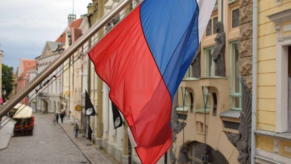 Застава Русије на згради амбасаде у Таљину - Sputnik Србија