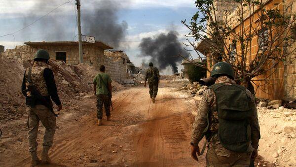 Pripadnici sirijske vojske u Alepu - Sputnik Srbija