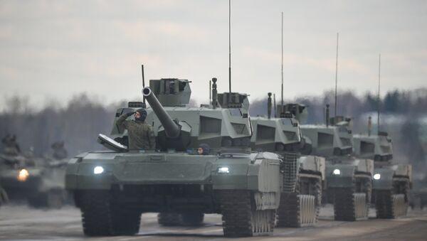 Tenkovi Armata tokom probe za vojnu paradu u Moskvi - Sputnik Srbija