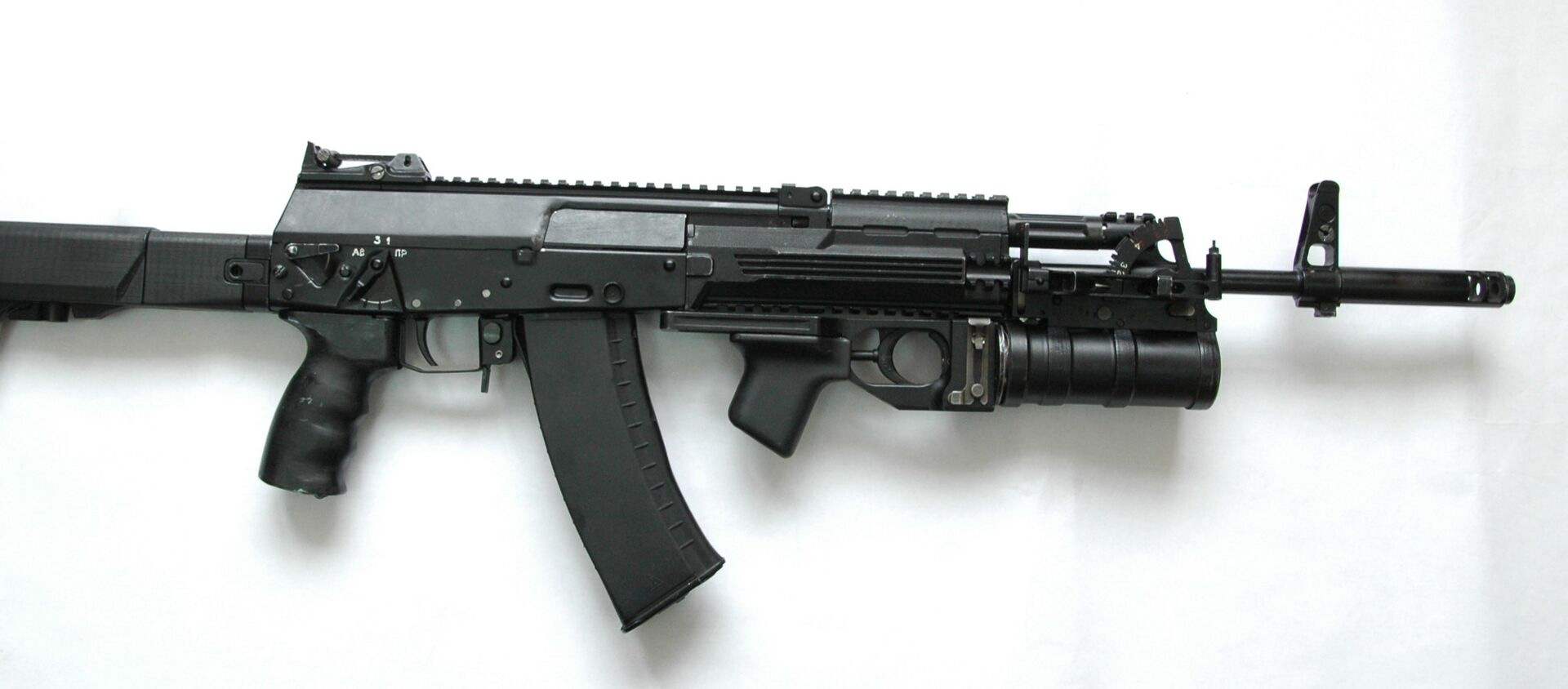 Novi model puške kalašnjikov AK-12 iz 2012. godine - Sputnik Srbija, 1920, 23.12.2020