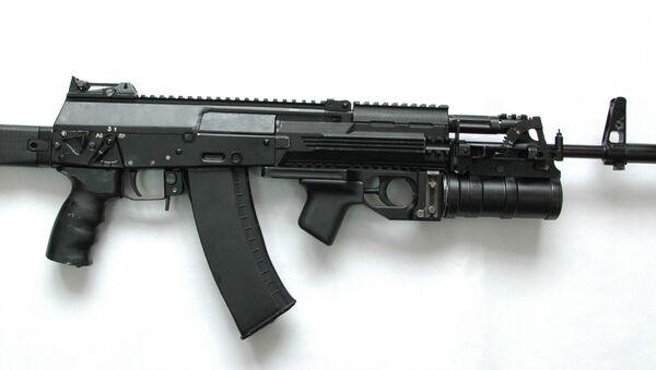 Novi model puške kalašnjikov AK-12 iz 2012. godine - Sputnik Srbija