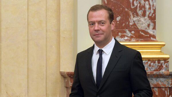 Predsedatelь pravitelьstva RF Dmitriй Medvedev pered načalom zasedaniя kabineta ministrov RF v Dome pravitelьstva RF - Sputnik Srbija