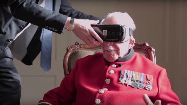 """""""Твајн"""" - Ветеран Другог светског рата користи уређај за виртуелну реалност (Дан сећања, 2016) - Sputnik Србија"""