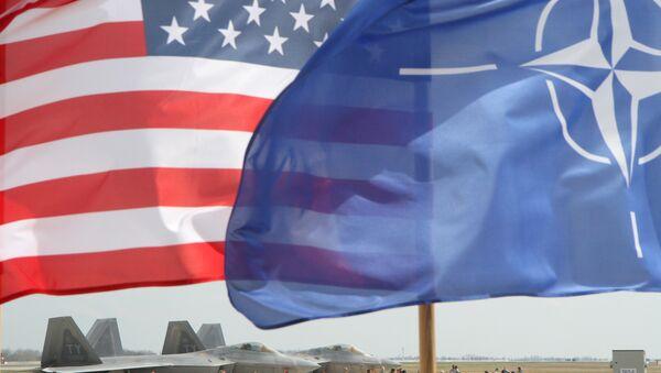 Заставе САД и НАТО - Sputnik Србија
