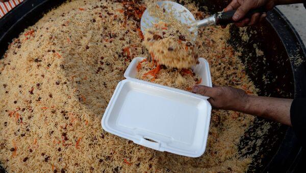 Jelo od pirinča za ramazan u Avganistanu. - Sputnik Srbija