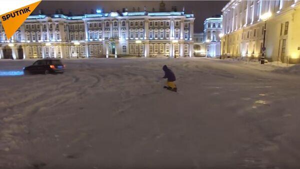 Surfer u Sankt Peterburgu - Sputnik Srbija