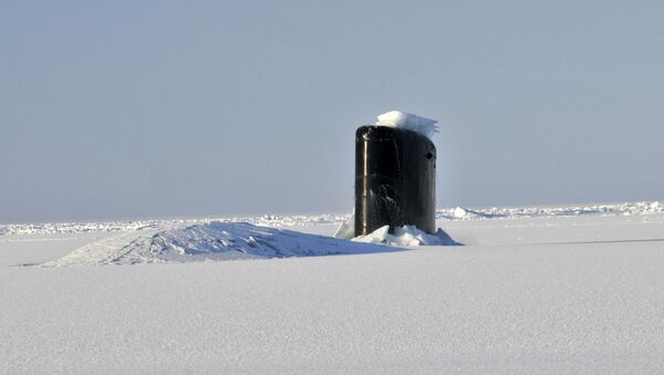 Američka podmornica Anapolis probija se kroz arktički led - Sputnik Srbija