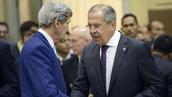 Ministar inostranih polsova Rusije Sergej Lavrov i državni sekretar SAD Džon Keri - Sputnik Srbija