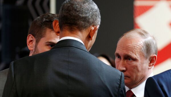 Predsednik SAD Barak Obama i predsednik Rusije Vladimir Putin na samitu APEK u Peruu - Sputnik Srbija