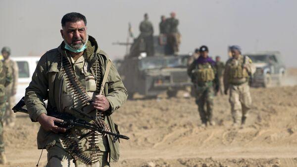 Војници шиитске паравојне групе Хашед ел шаби (снаге Народне мобилизације) у граду Тал Афар током операције ослобођења Мосула од терористичке групе ДАЕШ - Sputnik Србија