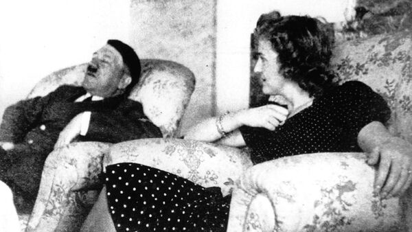 Адолф Хитлер и Ева Браун - Sputnik Србија