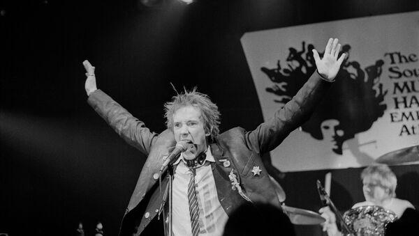 Џон Лајдон, Џони Ротен, на концерту Секс Пистолса у Мемфису, Тенеси, 6. јануара 1978. - Sputnik Србија