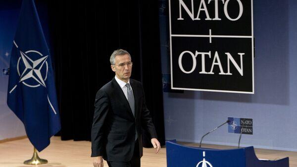 Generalni sekretar NATO-a Jens Stoltenberg na konferenciji za medije nakon sastanka organizacije u Briselu - Sputnik Srbija