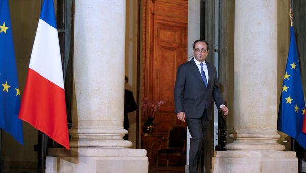Predsednik Francuske Fransoa Oland u Jelisejskoj palati u Parizu - Sputnik Srbija