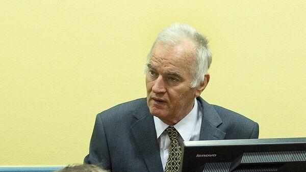 Ratko Mladić u haškoj sudnici - Sputnik Srbija