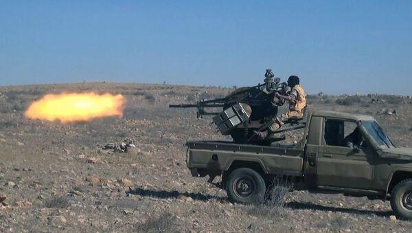 Припадници ДАЕШ-а пуцају на сиријске трупе северно од Палмире - Sputnik Србија