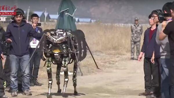 Biomorfni borbeni robot - Sputnik Srbija
