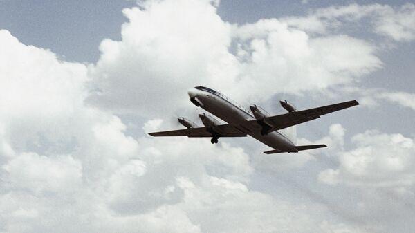 Avion iljušin Il-18 - Sputnik Srbija