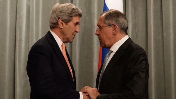 Šefovi diplomatija Rusije i SAD, Sergej Lavrov i Džon Keri - Sputnik Srbija