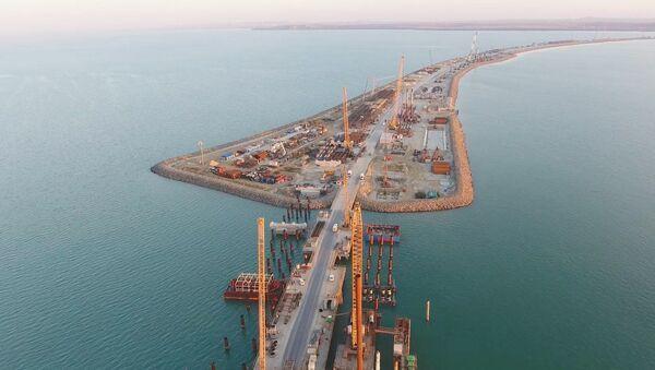 Izgradnja Kerčkog mosta na Krimu - Sputnik Srbija