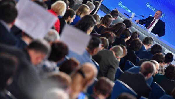 Pres-konferencija predsednika Rusije Vladimira Putina - Sputnik Srbija