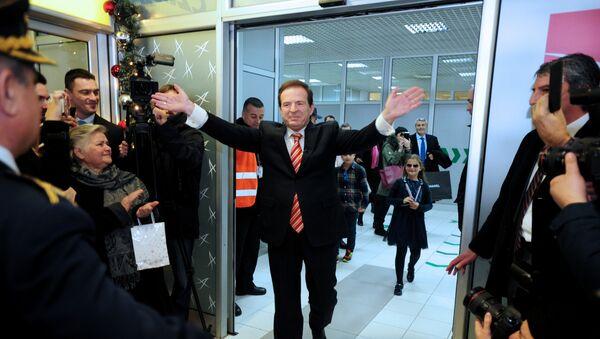 Bogoljub Karić na aerodromu Nikola Tesla, prilikom povratka u Srbiju - Sputnik Srbija