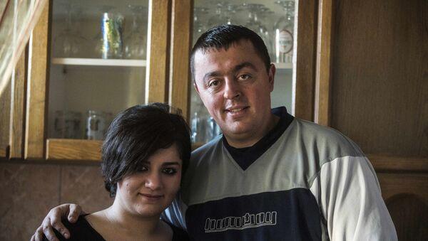 Makedonski policijac Bobi Dodevski koji je oženio Iračanku Nuru Arkavazi - Sputnik Srbija