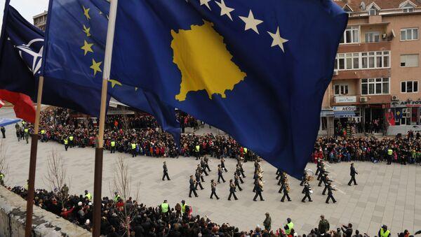 Vojna parada tzv. Kosova u Prištini održana 17. feb. 2013. - Sputnik Srbija