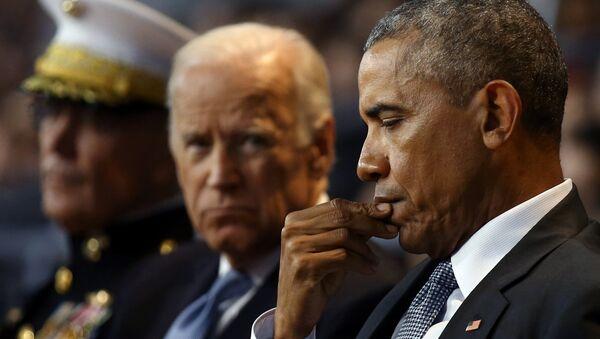 Džozef Bajden i Barak Obama - Sputnik Srbija