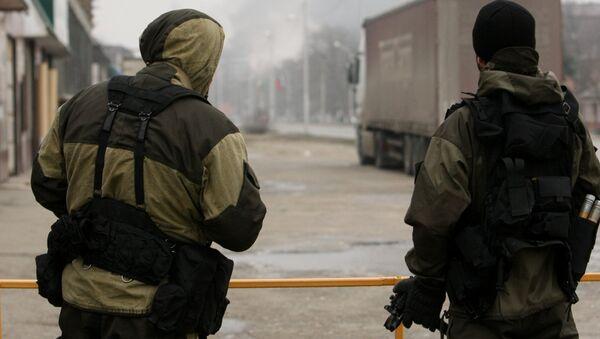 Припадници специјалне полиције Чеченије током операције неутралисања екстремиста у Грозном - Sputnik Србија