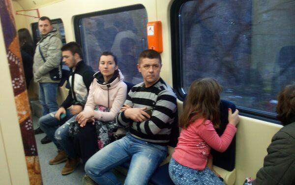 Putnici u iščekivanju svoje destinacije - Sputnik Srbija