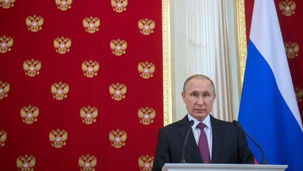 Predsednik Rusije Vladimir Putin tokom zajedničke konferencije za medije sa predsednikom Moldavije Igorom Dodonom - Sputnik Srbija
