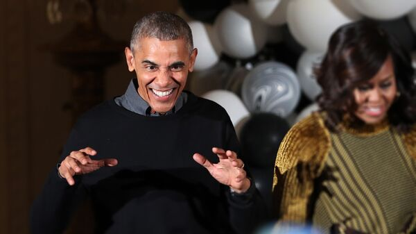 Barak Obama i Mišel Obama igraju u beloj kući uz pesmu Majkla Džeksona Triler - Sputnik Srbija