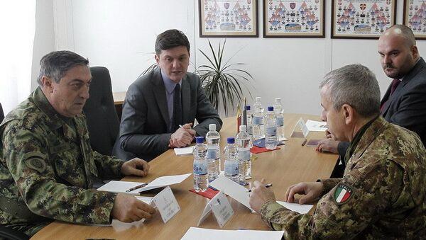 Састанак начелника генералштаба Љубише Диковића и команданта КФОР-а Ђованија Фунге - Sputnik Србија