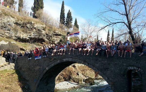 Пливање за Часни крст у Подгорици. - Sputnik Србија