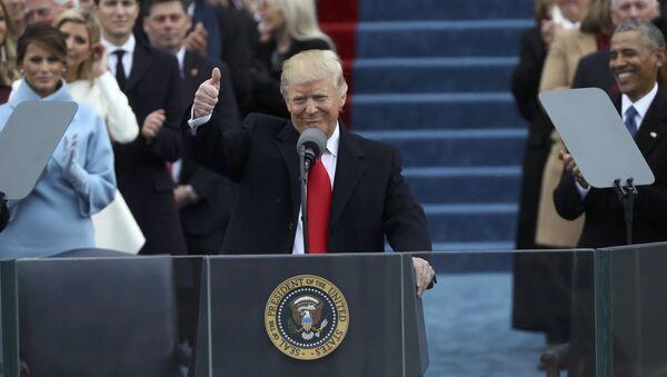 Доналд Трамп за говорницом на инаогурацији у Вашингтону - Sputnik Србија