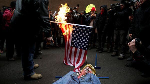 Protesti protiv Donalda Trampa u SAD - Sputnik Srbija