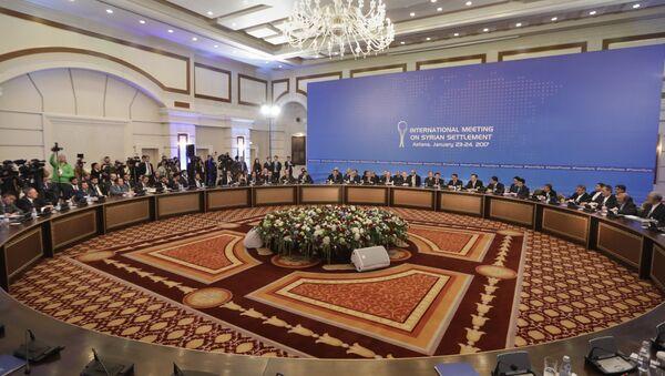 Делегације Русије, Ирана и Турске воде разговоре у Астани - Sputnik Србија