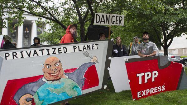 Demonstracije protiv TPP - Sputnik Srbija