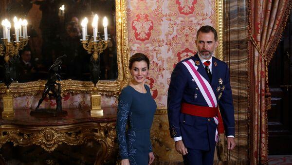 Шпански краљ и краљица Филип и Летиција у Краљевској палати у Мадриду - Sputnik Србија