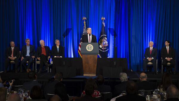 Predsednik SAD Donald Tramp obraća se kongresmenima republikancima u Filadelfiji - Sputnik Srbija