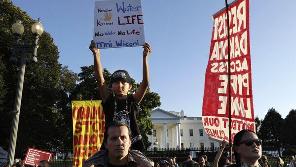 Protest aktivista zbog izgradnje naftovoda u Severnoj Dakoti - Sputnik Srbija