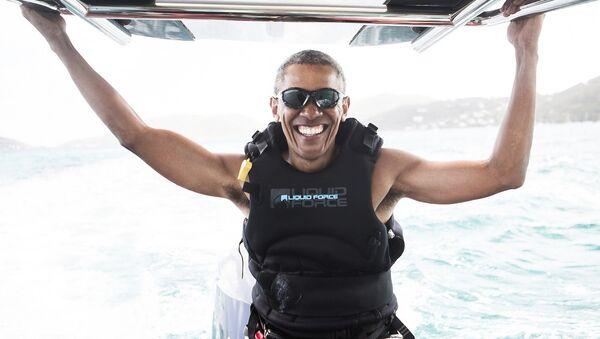Бивши амерички председник Барак Обама снимљен на Британским девичанским острвима. - Sputnik Србија