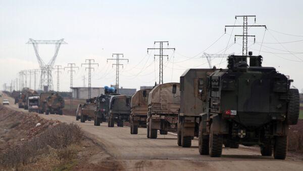 Турска војна возила крећу се према граду Ел Баб у Сирији - Sputnik Србија