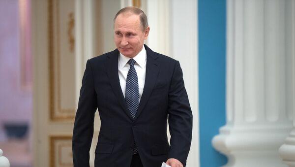 Predsednik Rusije Vladimir Putin na ceremoniji dodele nagrada - Sputnik Srbija