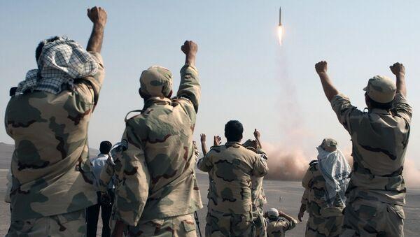 Iran lansira balističku raketu - Sputnik Srbija