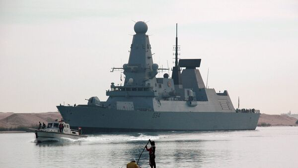 Razarač britanske mornarice Dajmond plovi kroz Suecki kanal - Sputnik Srbija
