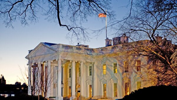 The day breaks behind the White House in Washington,DC - Sputnik Srbija