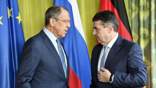 Sergej Lavrov i Zigmar Gabrijel - Sputnik Srbija
